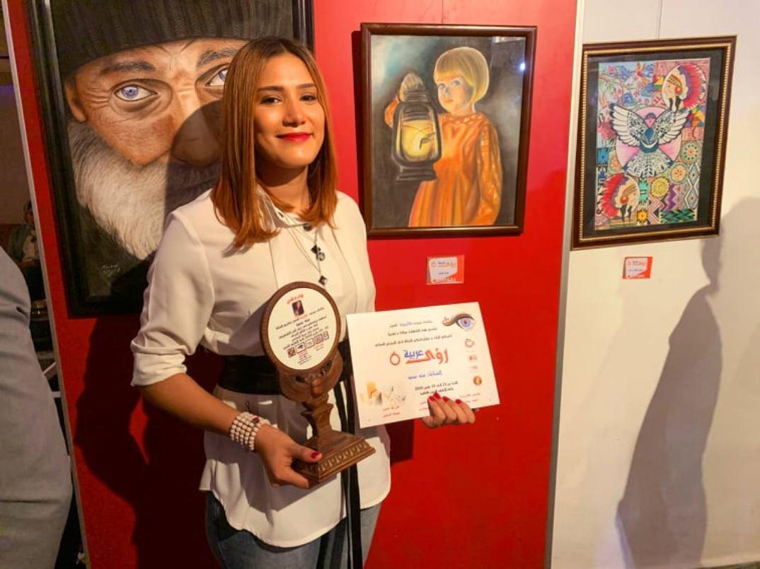 الفنانة منة سعد